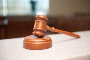 Keine Kettenbefristung von Arbeitsverträgen – Das Bundesverfassungsgericht kippt die Rechtsprechung des Bundesarbeitsgerichts